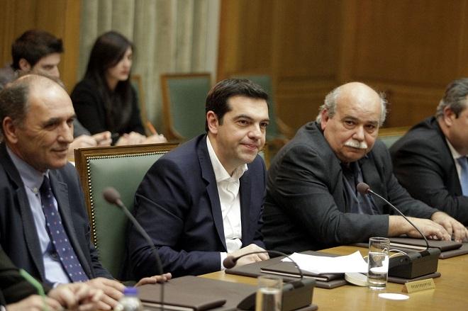 Συνεδριάζει το κυβερνητικό συμβούλιο μετά τις εξελίξεις στο Eurogroup
