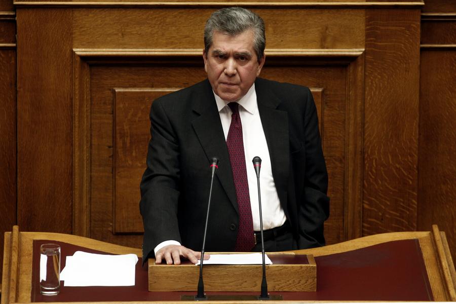 Μητρόπουλος: «Να γίνει άμεσα ή συμφωνία ή δημοψήφισμα»