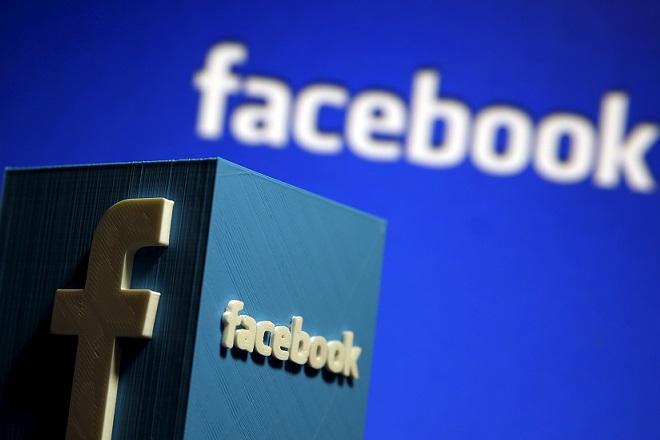 Πώς το Facebook θέλει να «κλέψει» δημοσιογράφους από το Twitter