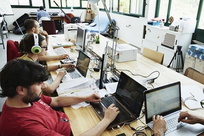 Ζητούνται υπάλληλοι χωρίς πτυχίο με μισθό 100.000 δολάρια