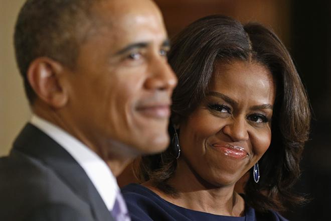 Οι Ομπάμα στη βιομηχανία των podcast- Υπογράφουν συμφωνία με το Spotify