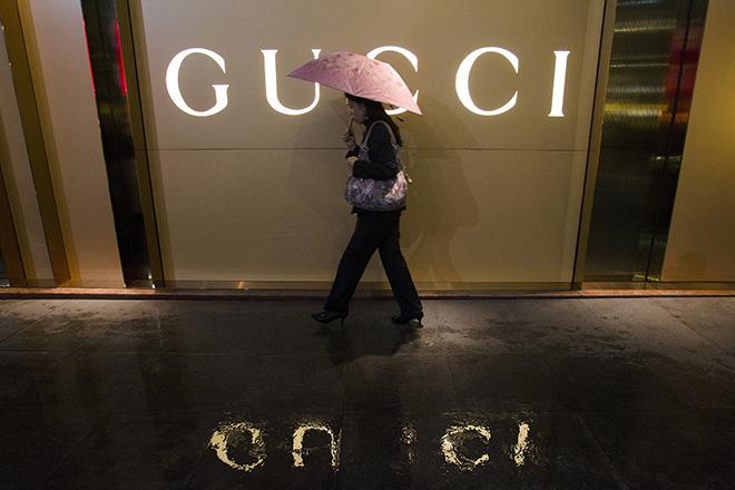 Gucci και Yves Saint Laurent εναντίον της Alibaba για τα προϊόντα-«μαϊμού»
