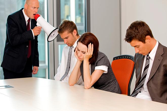 Πώς να χειριστείτε το κακό αφεντικό σας χωρίς να παραιτηθείτε