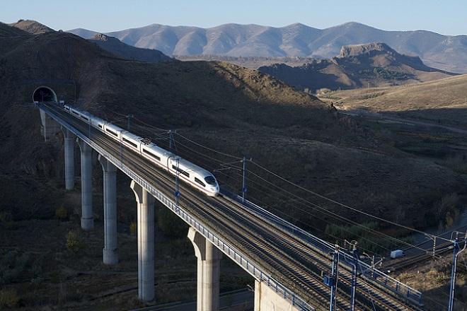 Η εταιρεία που θέλει να ταξιδέψει τα ευρωπαϊκά τρένα στις ΗΠΑ