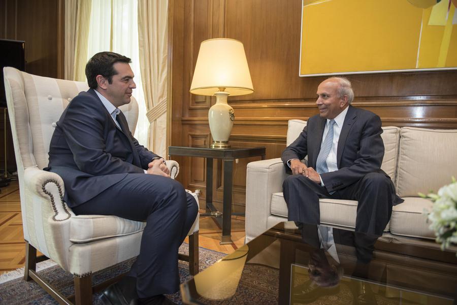 Συνάντηση του Αλέξη Τσίπρα με τον πρόεδρο και CEO της FAIRFAX Financial Holdings