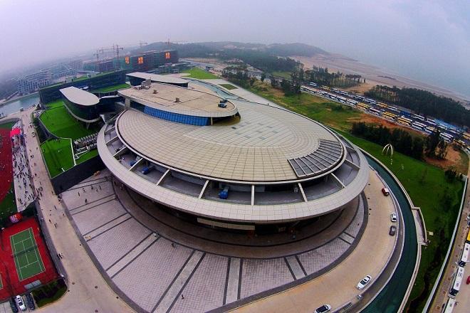 Τι  γυρεύει το USS Enerprise του Star Trek στην Κίνα;