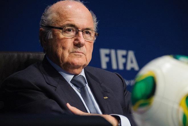 Στη FIFA παίζει μπάλα η διαφθορά, όμως ο πρόεδρός της επιμένει