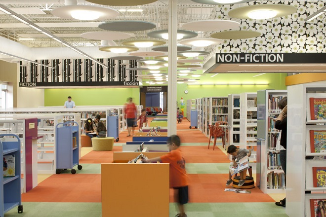 Η 7χρονη που άνοιξε τη δική της βιβλιοθήκη με τη βοήθεια του Facebook