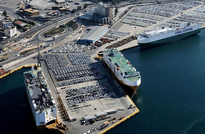 FAZ: Ευρωπαϊκή βάση της Cosco το λιμάνι του Πειραιά