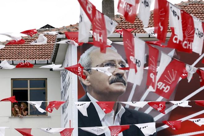Γραμμή Οτζαλάν για ουδετερότητα και από τον Ντεμιρτάς στις εκλογές της Κωσταντινούπολης