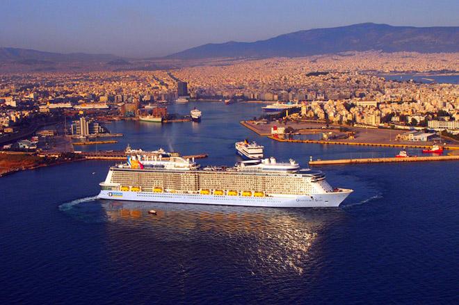 Στον Πειραιά το νεότερο κρουαζιερόπλοιο του κόσμου
