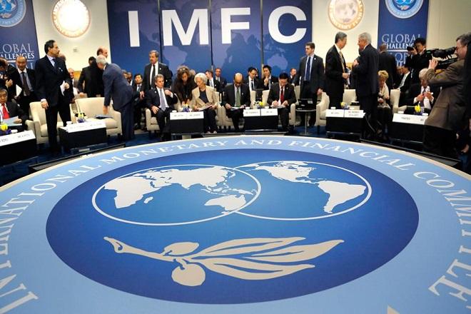 ΔΝΤ: Μείωση χρέους απ' τους εταίρους, σκληρά μέτρα απ' την Ελλάδα
