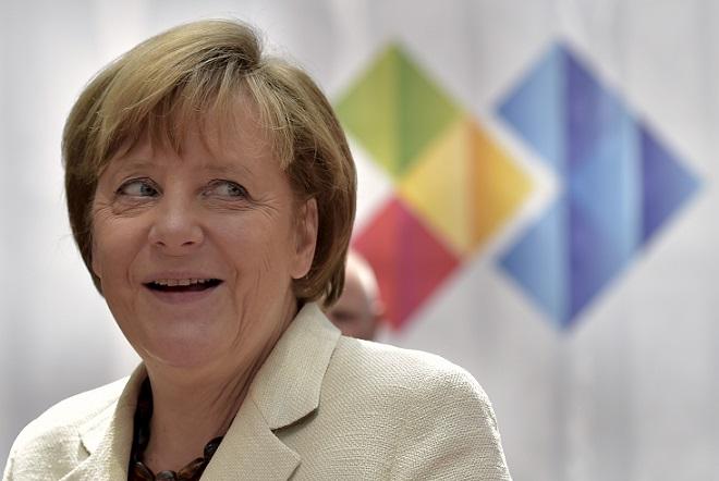 Υποψήφια και για τέταρτη θητεία η Μέρκελ