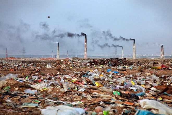 Έρευνα: Πώς τα πλαστικά απορρίμματα συμβάλλουν στην κλιματική αλλαγή