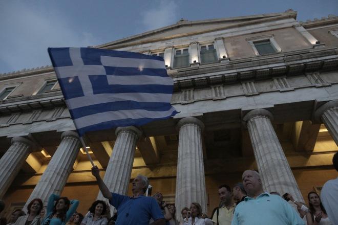 Ποιους κατηγορούν για όλα οι Έλληνες – Μεγάλη Έρευνα