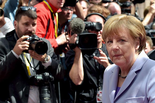 Μέρκελ: Δεν θα με εκβιάσει η Ελλάδα