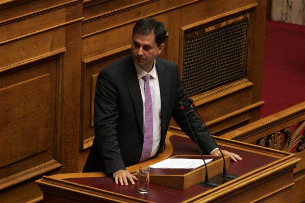 Χάρης Θεοχάρης: Στο ΓΛΚ δουλεύουν για τη δραχμή – Τι απαντάει ο ΣΥΡΙΖΑ