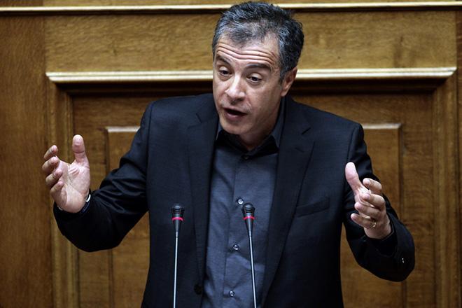Θεοδωράκης: Το Ποτάμι απαιτεί από τον πρωθυπουργό να μείνει η χώρα στην καρδιά της Ευρώπης