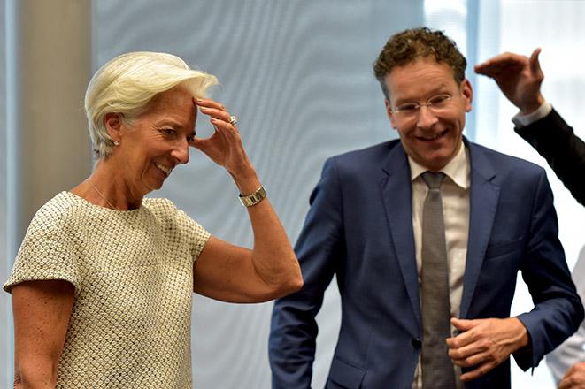 ΔΝΤ: Mέτρα 9 δισ. ευρώ ή κούρεμα χρέους