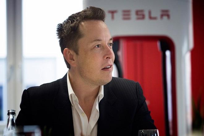 Τι σημαίνει για την Tesla η συμφωνία για τον νέο μισθό-ρεκόρ του Έλον Μασκ