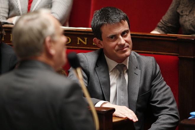 Με απόφαση Βαλς πέρασε ο νόμος για τα εργασιακά στη Γαλλία