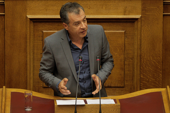 Θεοδωράκης: Παλεύουμε να νικήσουμε τους ψεύτες και τους λαϊκιστές