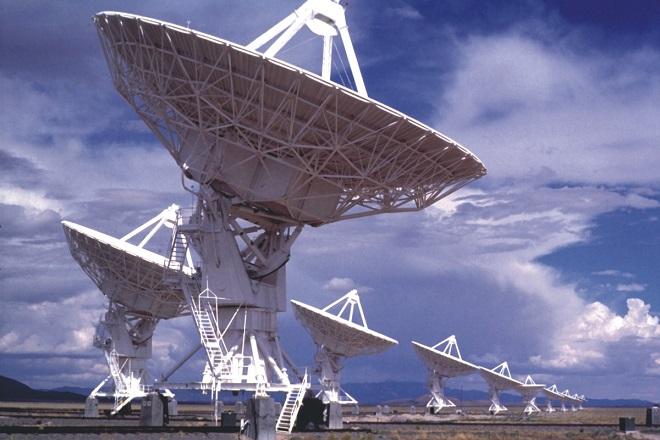Ο Ρώσος επενδυτής που δίνει 100 εκατ. δολάρια για να ανακαλύψει εξωγήινους