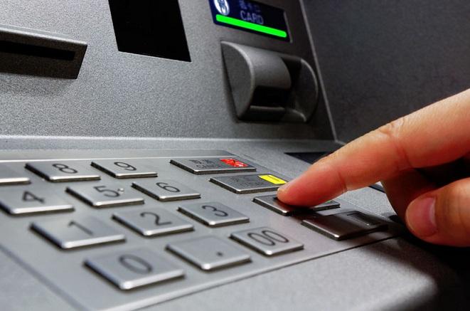 Διευκρινίσεις για τις χρεώσεις των τραπεζικών συναλλαγών δίνει η ΔΙΑΣ ΑΕ – Παγώνουν οι αυξήσεις
