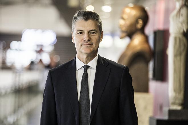 """Γιάννης Παράσχης: Ποιος είναι ο CEO που βρίσκεται στο τιμόνι του πολυβραβευμένου """"Ελ. Βενιζέλος"""""""