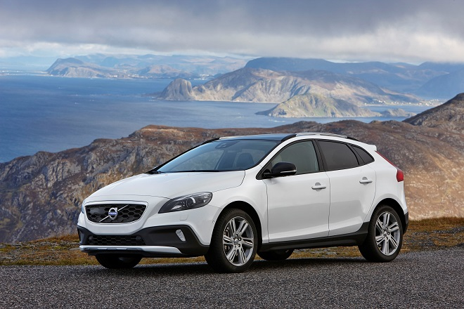 Volvo: Δέσμευση για παράδοση οχημάτων εντός 48 ωρών