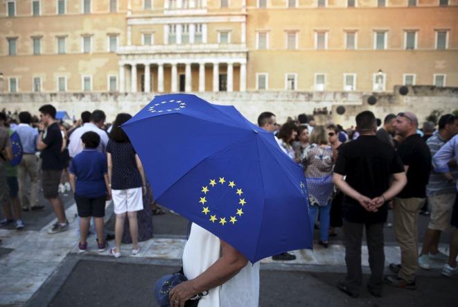 Guardian: Γιατί η Ελλάδα θα επιστρέψει στα πρωτοσέλιδα