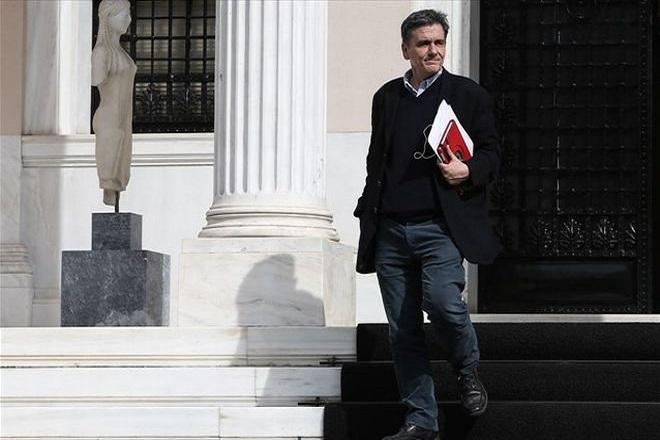 Κοντά σε νέο δάνειο – γέφυρα η Ελλάδα πριν τη συμφωνία για το τριετές πρόγραμμα του ESM