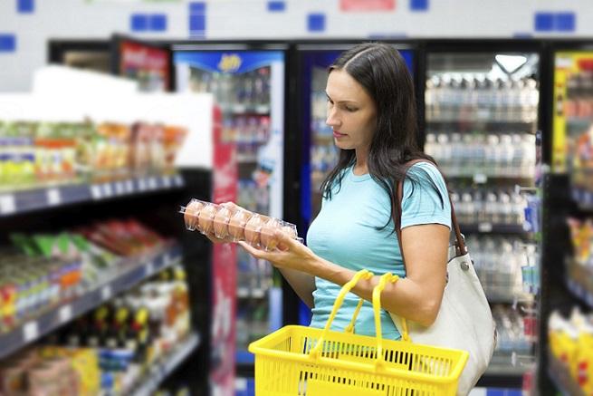 Τι επιλέγουν να περικόψουν οι Έλληνες καταναλωτές προκειμένου να «σφίξουν το ζωνάρι»