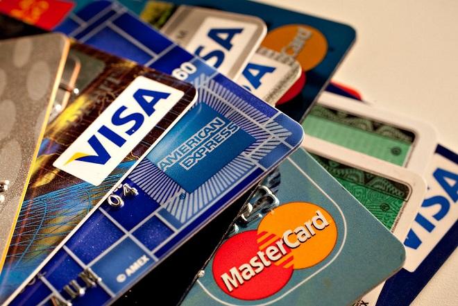 Το 65% των Ελλήνων επιλέγει τις online αγορές – Κίνητρο το χαμηλότερο κόστος