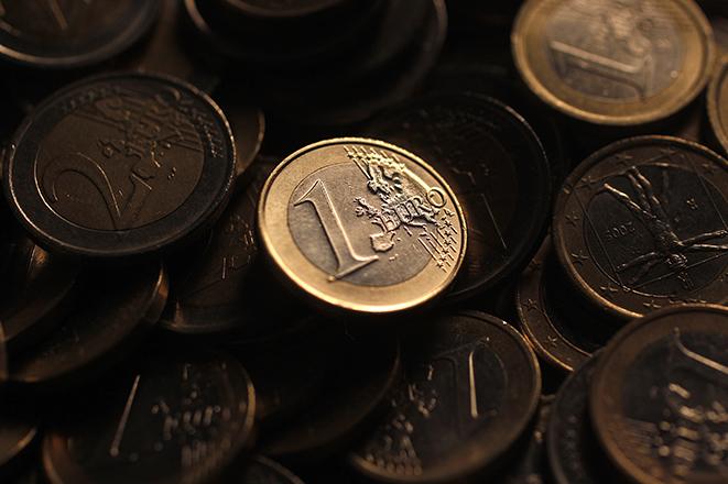 Φορολογικές επιβαρύνσεις για μικρά και μεγάλα εισοδήματα