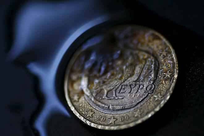 Bloomberg: Οι κερδισμένοι και οι χαμένοι του ευρώ