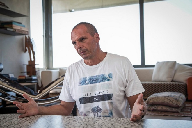 Βαρουφάκης κατά Λαφαζάνη: Έχει μια τάση για απομονωτισμό, έχει στόχο τη δραχμή