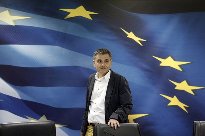 Ο απερχόμενος υπουργός Οικονομικών, Ευκλείδης Τσακαλώτος κατά την διάρκεια της τελετής παράδοσης - παραλαβής του υπουργείου Οικονομικών, Παρασκευή 28 Αυγούστου 2015. ΑΠΕ-ΜΠΕ/ΑΠΕ-ΜΠΕ/ΓΙΑΝΝΗΣ ΚΟΛΕΣΙΔΗΣ