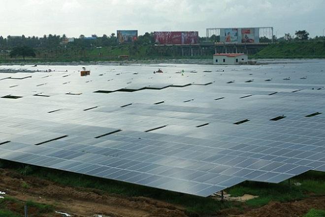 Το πρώτο αεροδρόμιο που τροφοδοτείται αποκλειστικά από ηλιακή ενέργεια