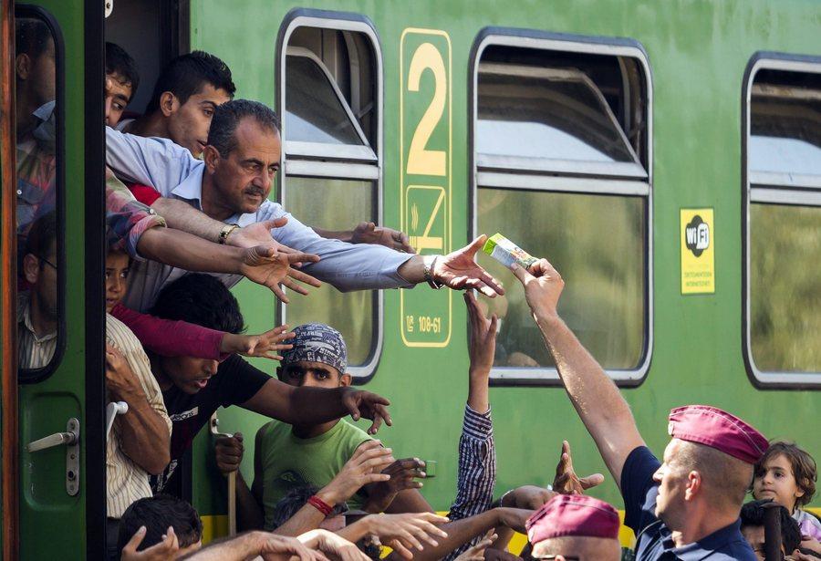 Τραβάει το σχοινί η Ουγγαρία για το προσφυγικό – Αντιδράσεις από Τσεχία, Σλοβακία, Γερμανία