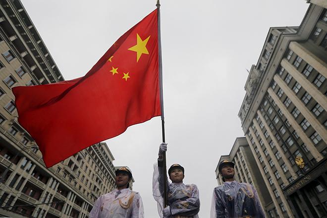 Η Κίνα απειλεί να «φρενάρει» την παγκόσμια οικονομία το 2016