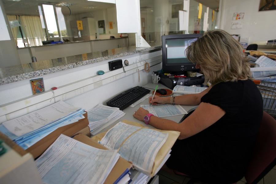 Έκτο στην ΕΕ το κόστος των δημοσίων υπαλλήλων της Ελλάδας