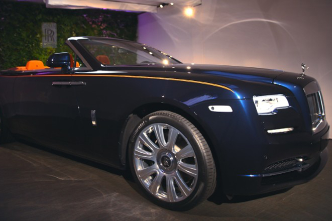 Η Rolls-Royce αποκαλύπτει το «πιο σέξι» αυτοκίνητο που έφτιαξε ποτέ