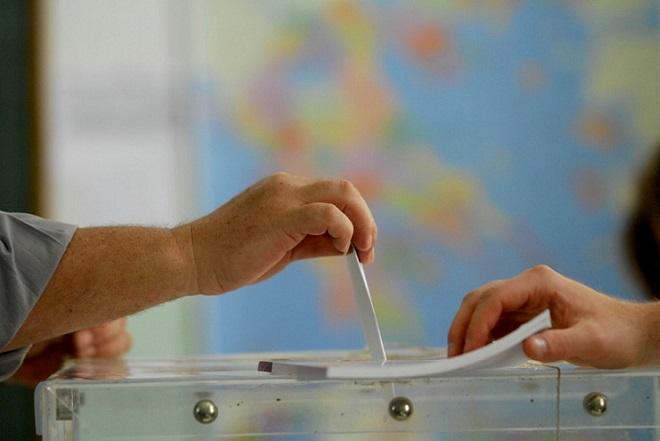 Δημοσκόπηση: Επικρατεί Μητσοτάκης και ΝΔ, στο 16,5% η διαφορά με ΣΥΡΙΖΑ