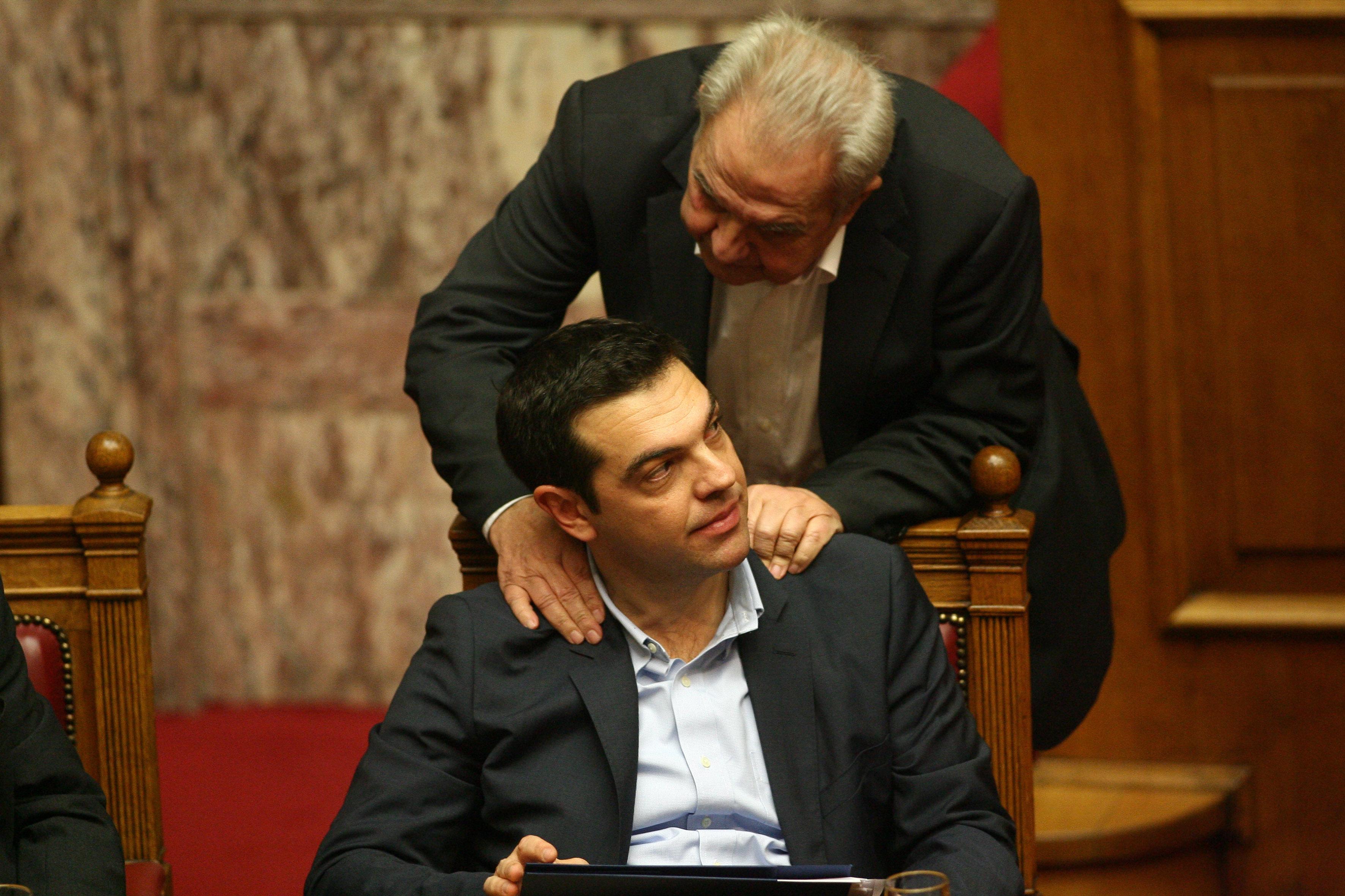 FAZ: Μπλεγμένος σε σκάνδαλο ο πολιτικός «πατέρας» του Τσίπρα