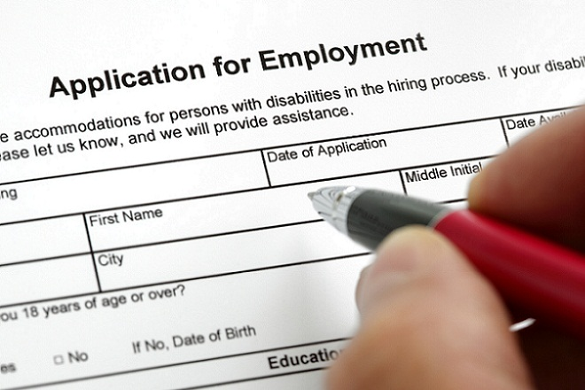Ένας στους δύο εργαζόμενους θεωρεί ότι τα προσόντα του δεν αντιστοιχούν με τη θέση του