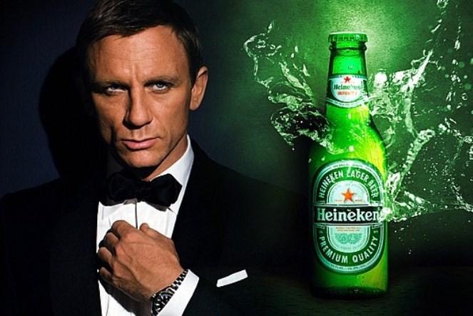H Heineken® αποκαλύπτει: Το νέο τηλεοπτικό σποτ για την ταινία «Spectre» του James Bond και η πρώτη selfie από το διάστημα