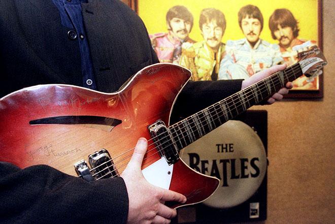 Μισό εκατομμύριο ευρώ για το πρώτο συμβόλαιο των Beatles