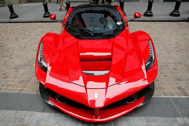 Όλα έτοιμα για την εισαγωγή της Ferrari στο χρηματιστήριο