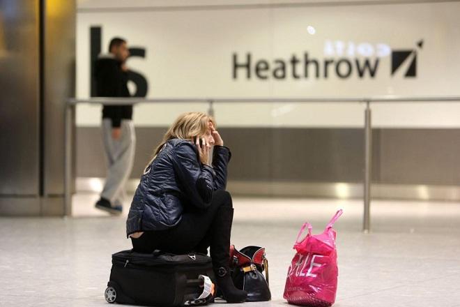 Τα αεροπορικά εισιτήρια φθηναίνουν συνεχώς. Εμείς γιατί δε το καταλαβαίνουμε;